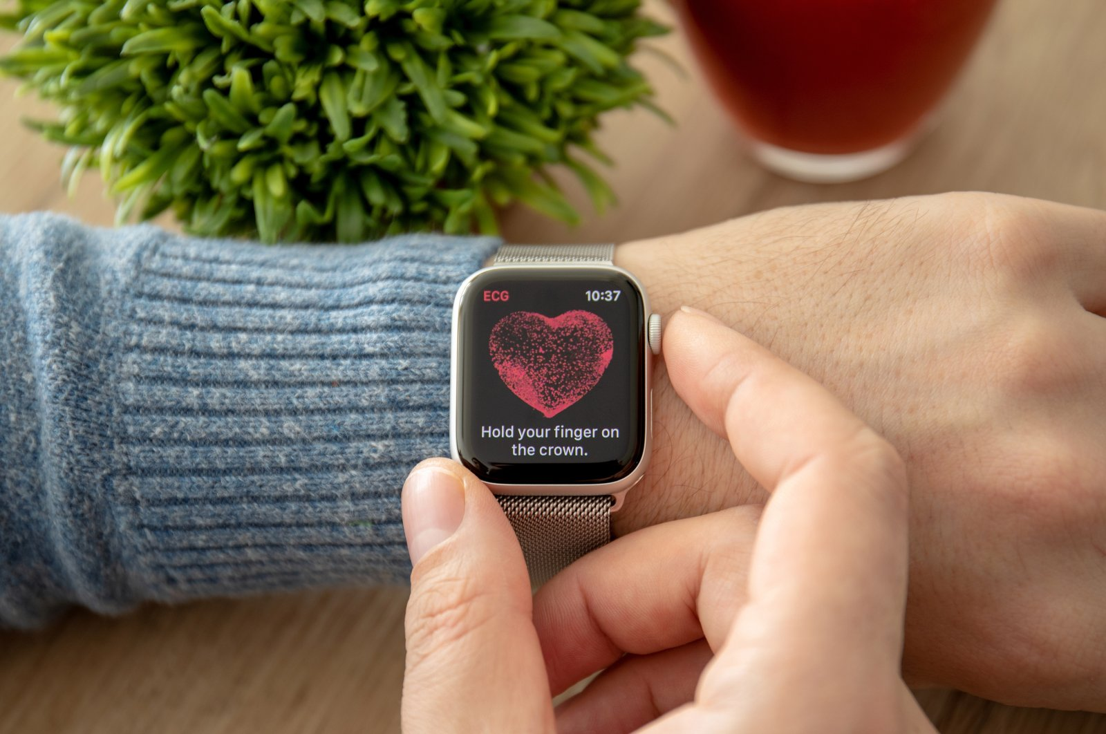 A man hand with Apple Watch Series 4 with the ECG app on the screen, Anapa, Russia, Feb. 17, 2019. (Shutterstock Photo)