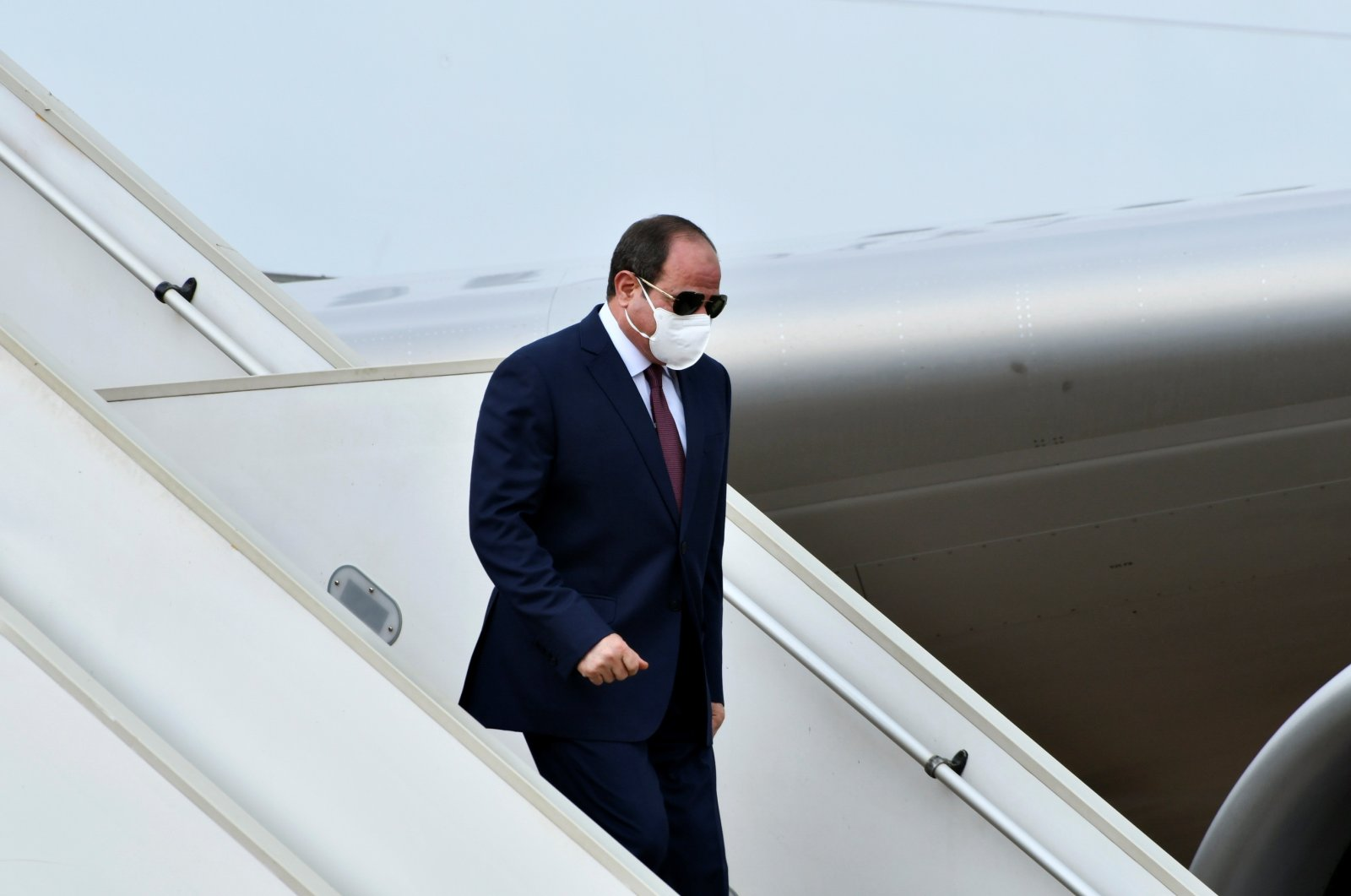 Egypt's President Abdel Fattah el-Sissi, wearing a protective mask, arrives for his visit to South Sudan in Juba, South Sudan, Nov. 28, 2020. (Reuters Photo)