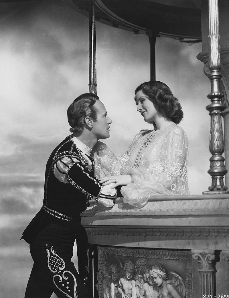 Leslie Howard as Romeo and Norma Shearer as Juliet, in the 1936 film directed by George Cukor.