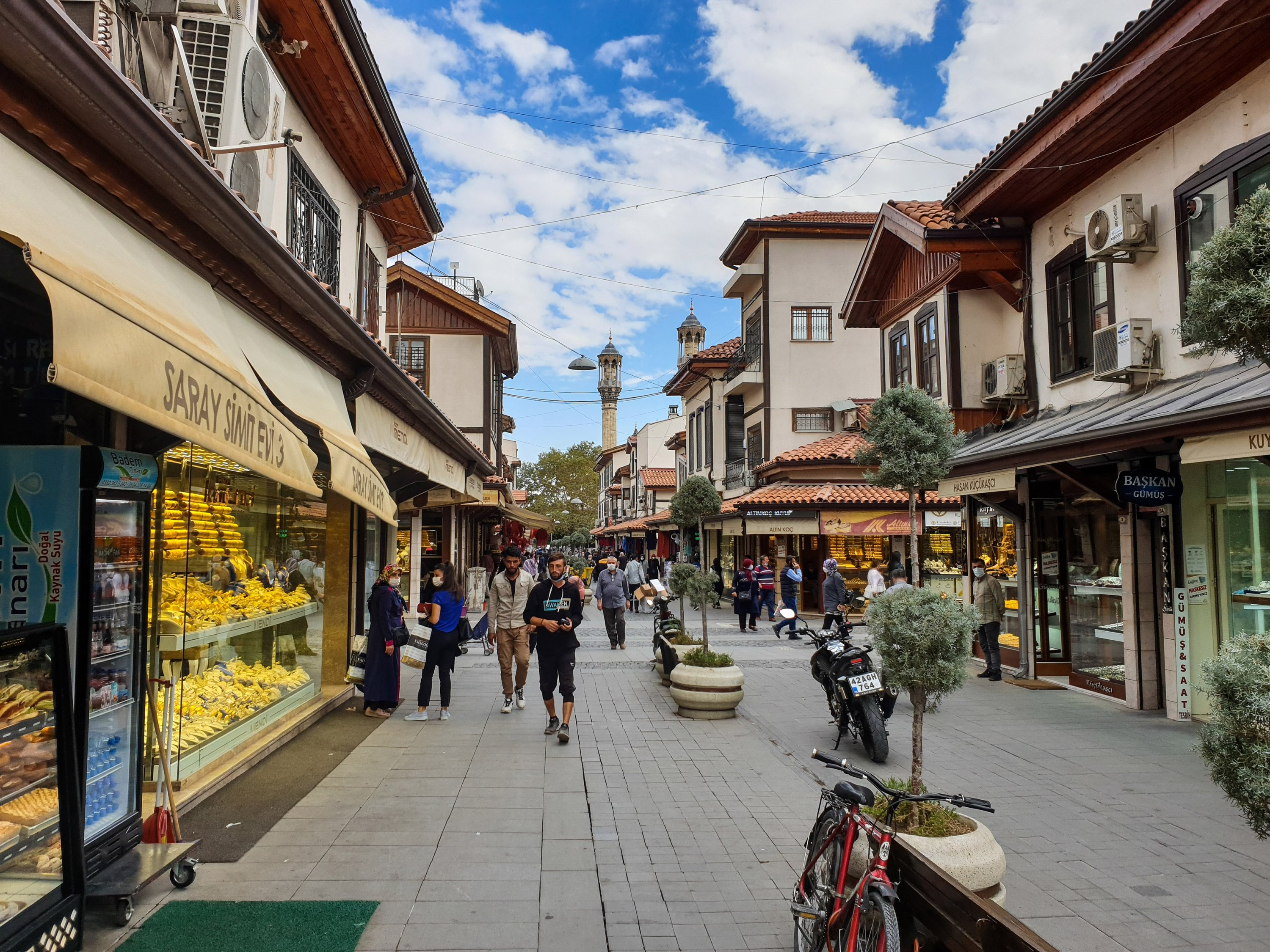 The Grand Bazaar of Konya is situated in a historic area of the city. (Photo by Argun Konuk)
