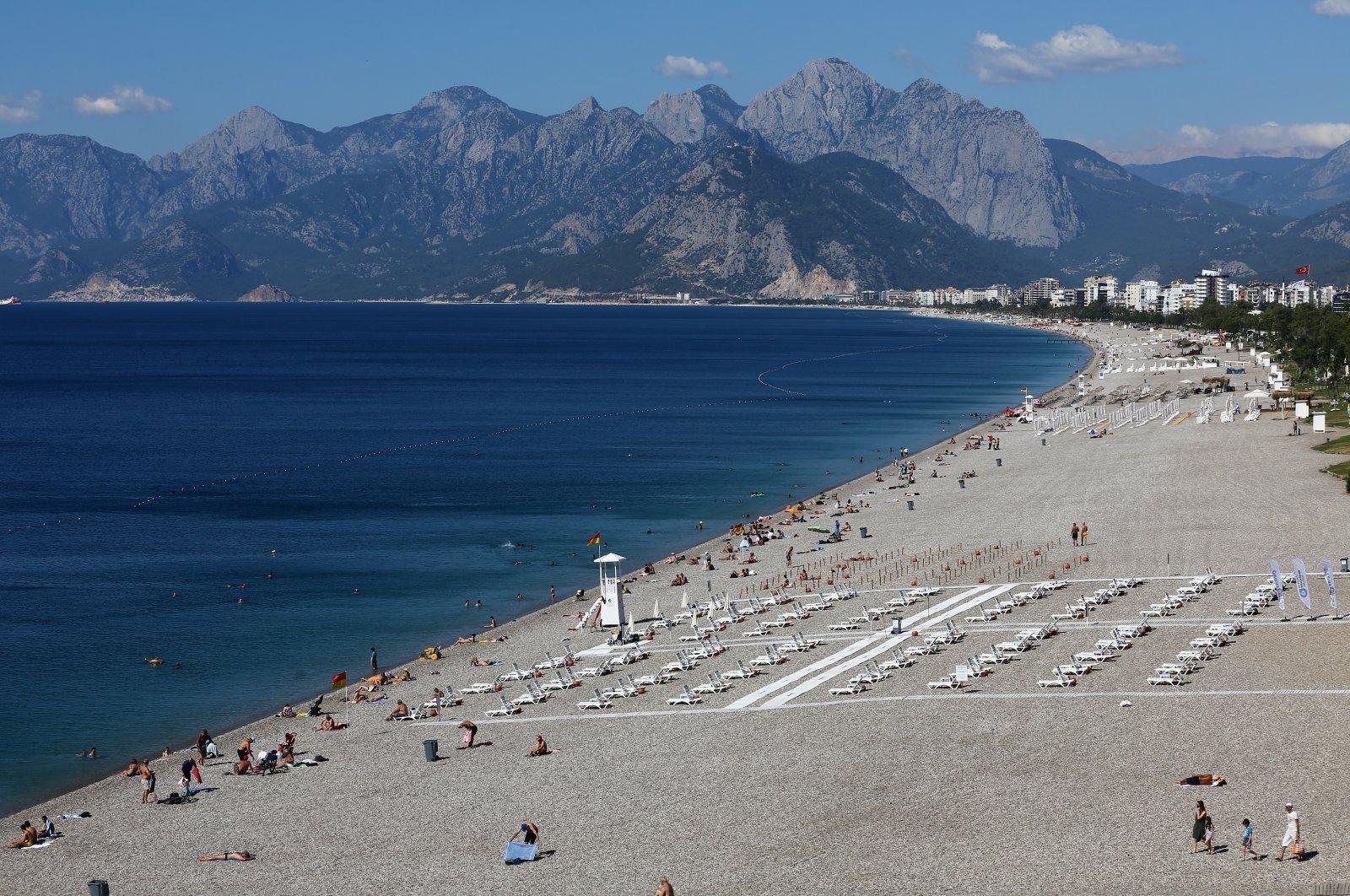 Konyaaltı beach amid the COVID-19 outbreak, in the southern resort city of Antalya, Turkey, June 19, 2020. (Reuters Photo)