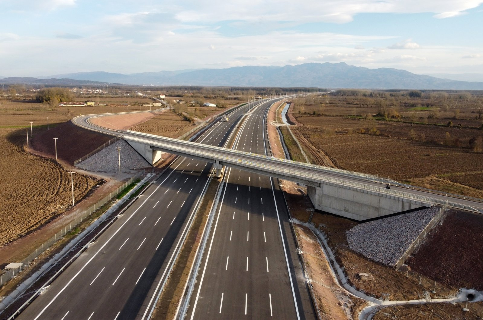 The commissioned part of the Northern Marmara Motorway located in northwestern Turkey, Dec. 12, 2020. (AA Photo)