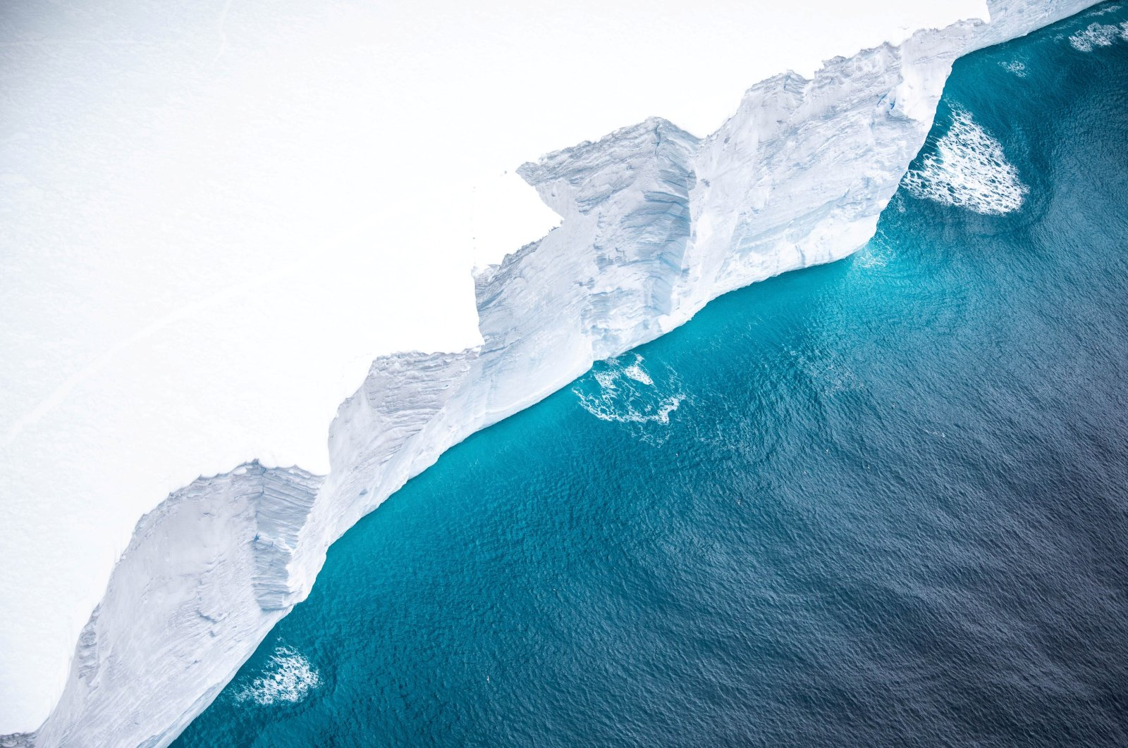 A view of the A-68a iceberg from a Royal Air Force reconnaissance plane near South George island, Nov. 18, 2020. (U.K. Ministry of Defense Handout via Reuters)