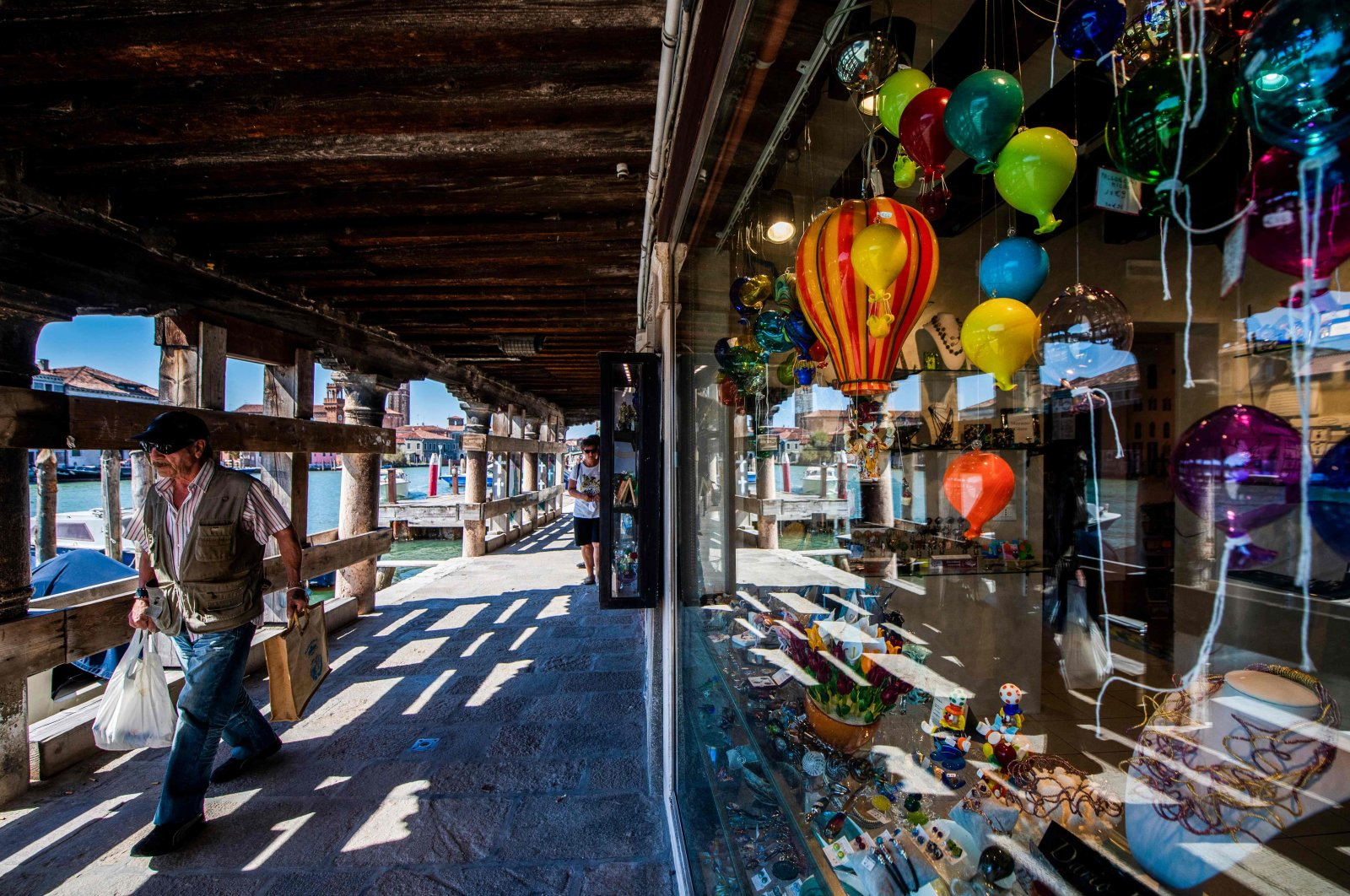 An art products shop along a canal in Murano, Italy on Sept. 8, 2020. (AFP Photo)