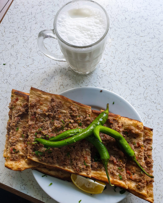 Etli ekmek at Bolu Lokantası. (Photo by Argun Konuk)