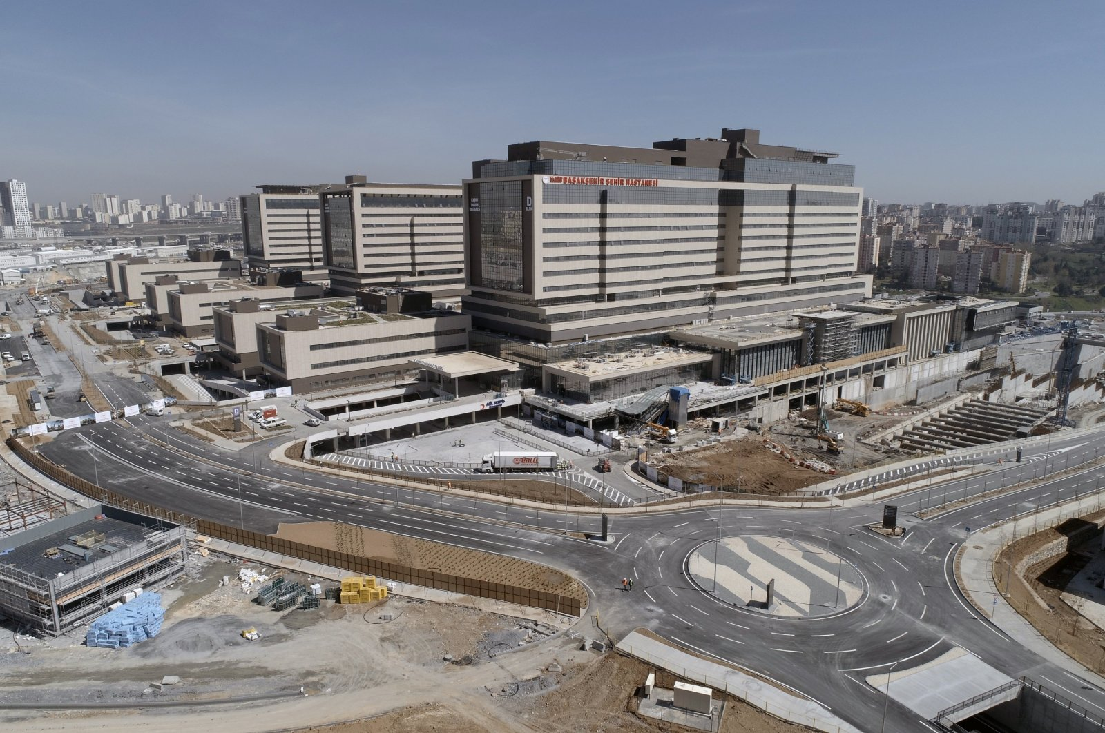 Built on a square kilometer of land, Istanbul's new Başakşehir City Hospital set to have a capacity of 2,682 beds. (AA Photo)