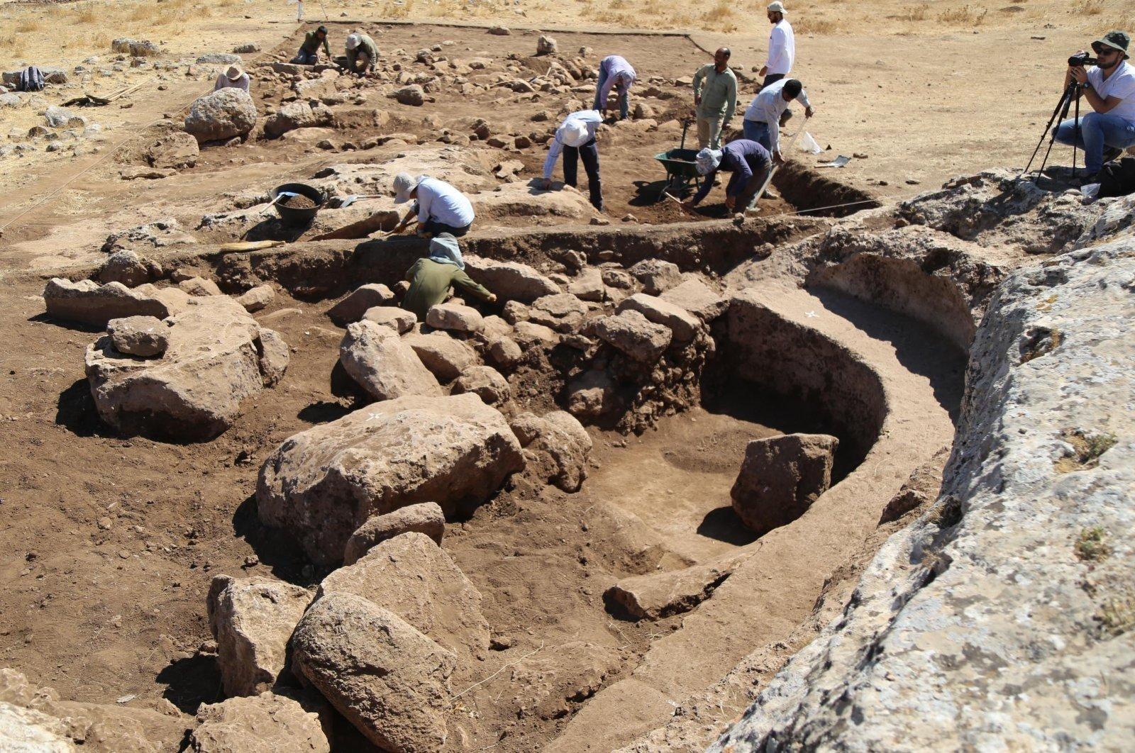 Archaeologists work at the historical site of Karahantepe, Şanlıurfa, southeastern Turkey, Nov. 27, 2020. (DHA Photo)