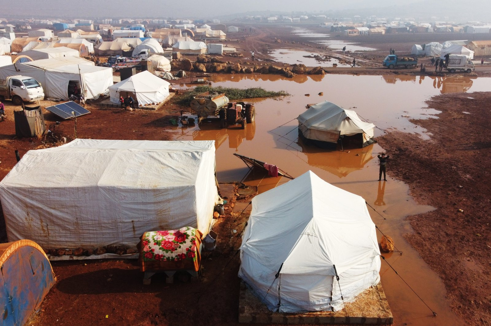 Heavy rain floods Keferarouk refugee camp in northwestern Idlib, Syria, Dec.19, 2020. (AA)