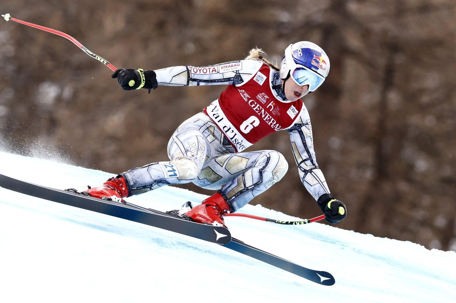 Ester Ledecka in action during the race in Val D'Isere, France, Dec. 20, 2020. (REUTERS PHOTO)