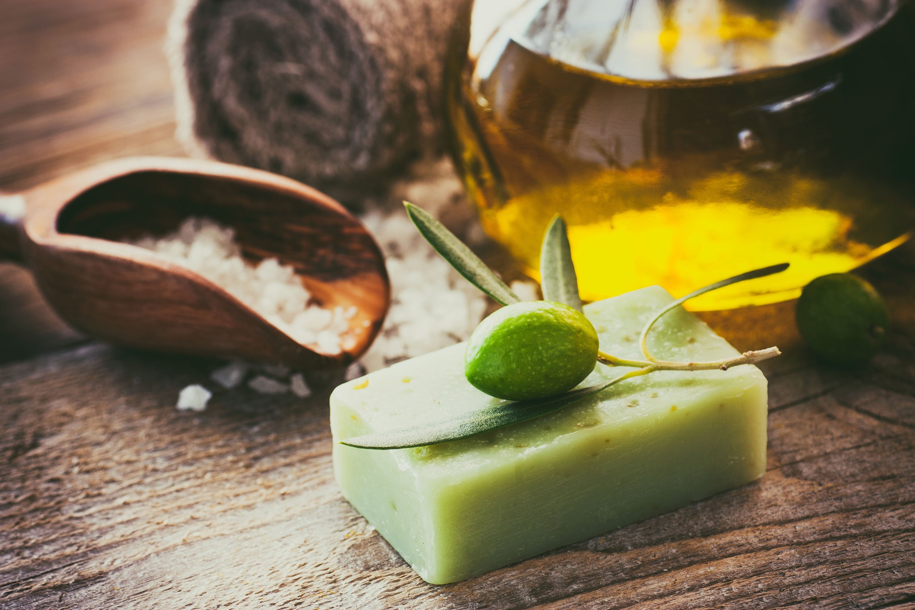 Colorless and scentless soaps like olive oil should be preferred for hand washing as they won't strip the skin's natural oils. (Shutterstock Photo)