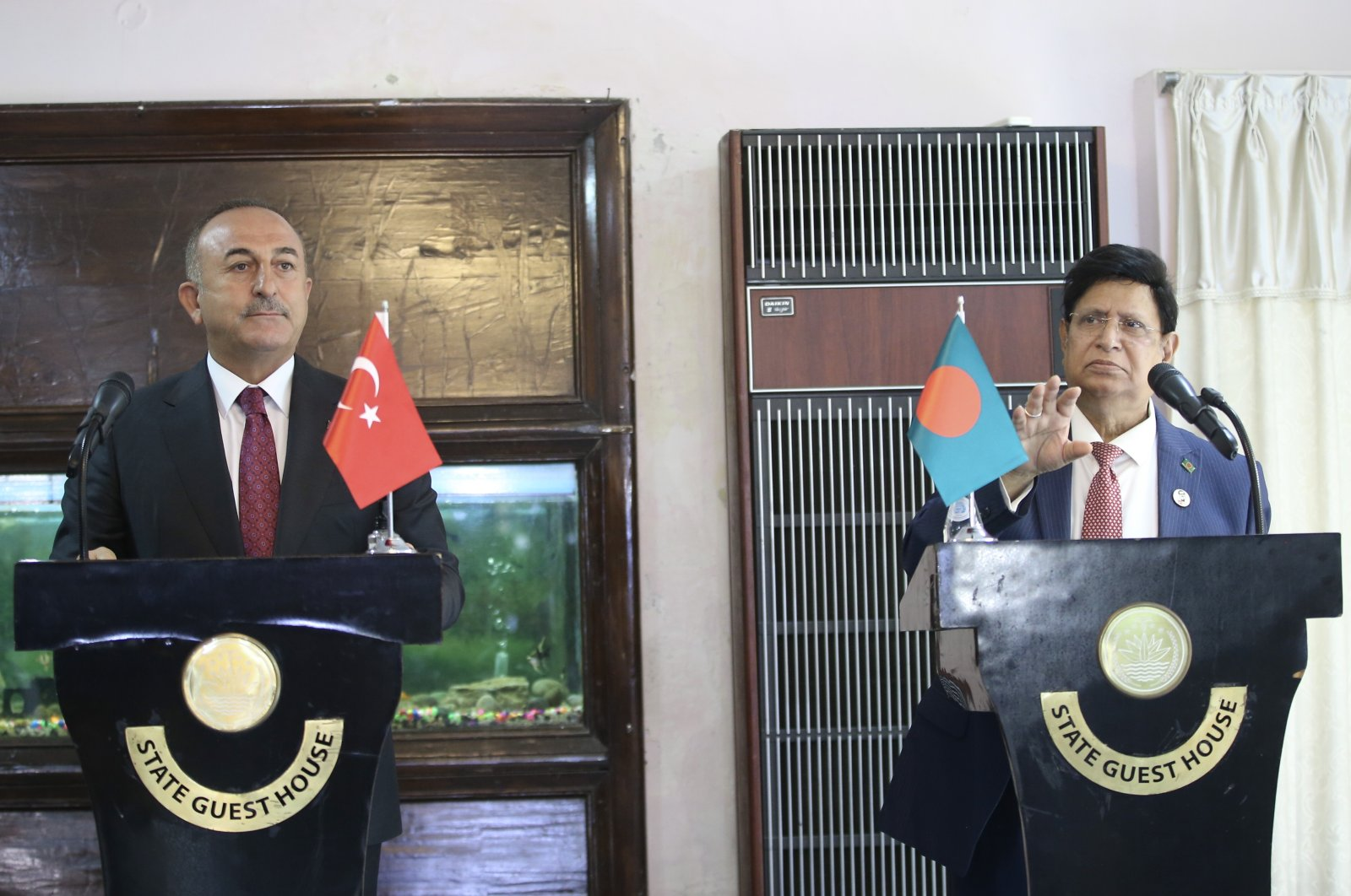 Foreign Minister Mevlüt Çavuşoğlu in a joint press conference with his counterpart A.K. Abdul Momen in Dhaka, Bangladesh, Dec. 23, 2020 (AA Photo)
