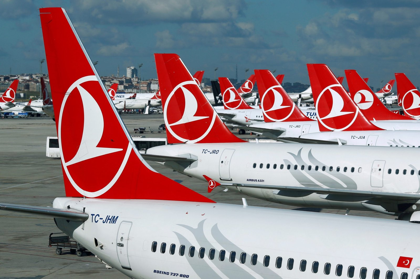 Turkish Airlines aircraft are parked at the Ataturk International airport in Istanbul, Turkey, Dec. 3, 2015. (Reuters Photo)