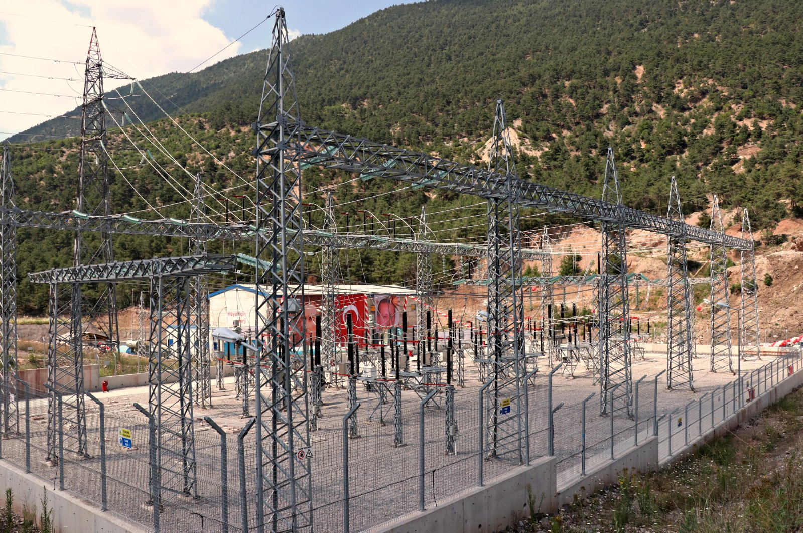 The electricity distribution network, Tokat, central Turkey, May 7, 2020. (AA Photo)