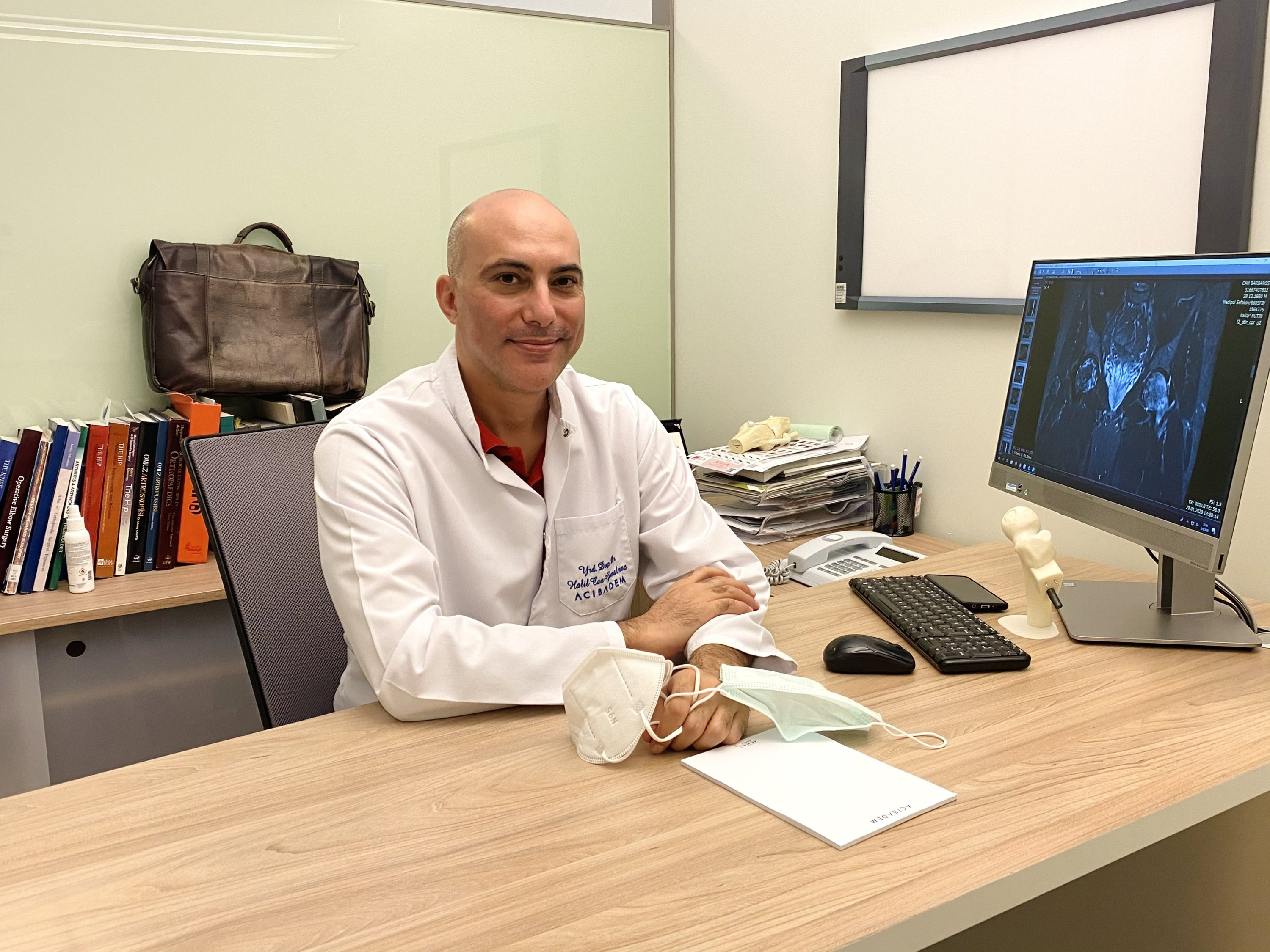 Associate professor Halil Can Gemalmaz poses for a photo at Acıbadem Hospital, in Istanbul, Turkey, Dec. 29, 2020. (DailySabah Photo)