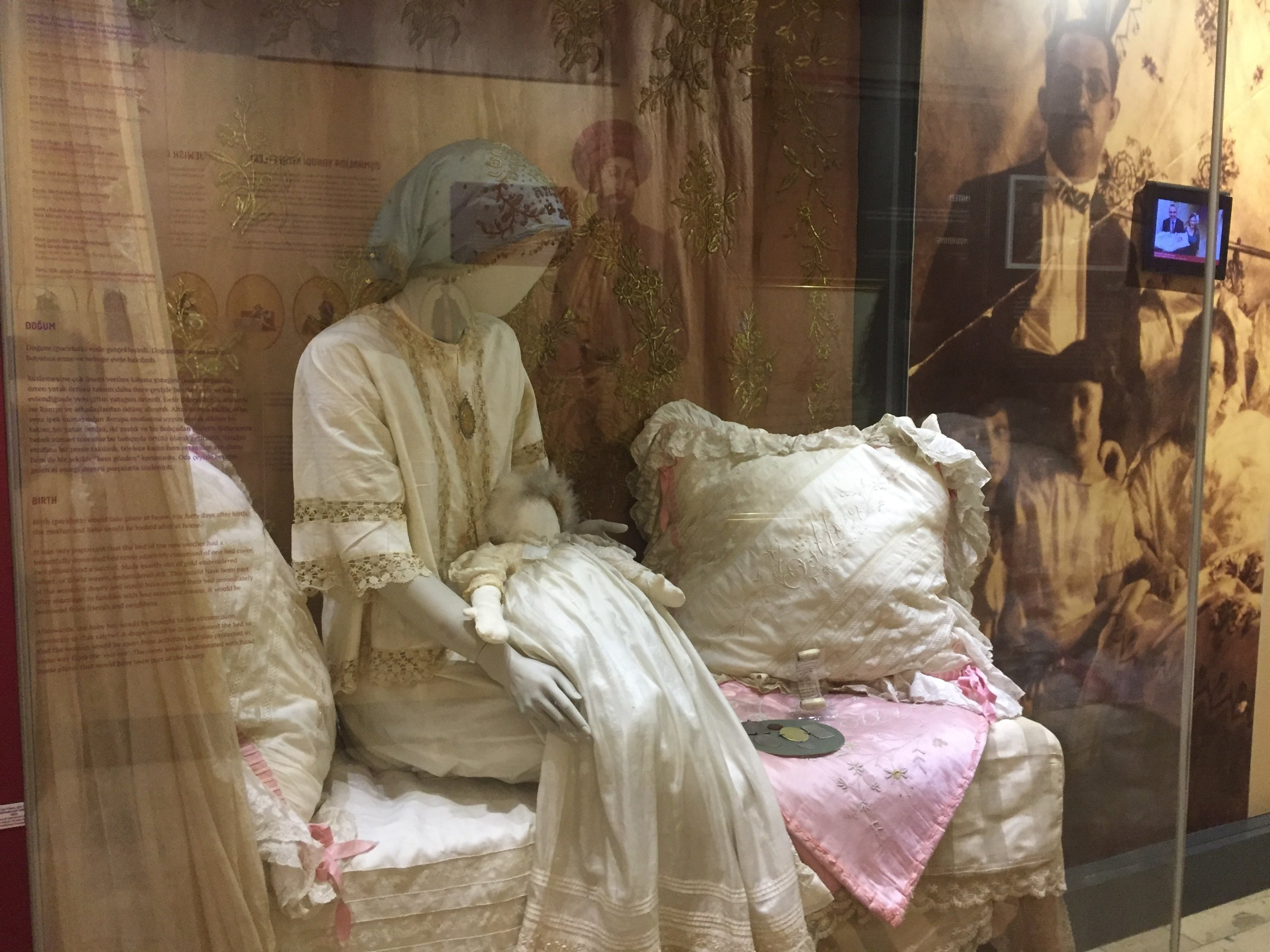 A mother mannequin holds a baby mannequin dressed in a fashadura gown, a uniquely Turkish-Jewish tradition, at the Jewish museum in Istanbul, Turkey. (Photo by Paris Achen)