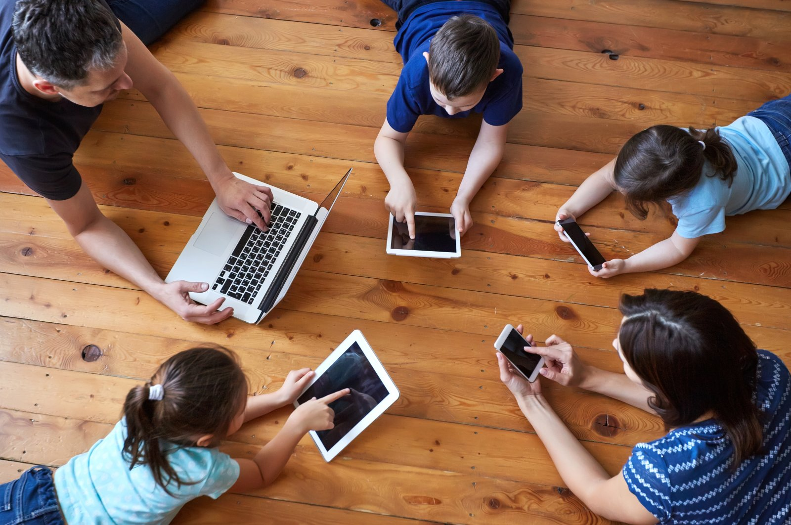 The pandemic has inflicted a new lifestyle of dependence on technology, including higher consumption of the internet and more screen time. (Shutterstock)