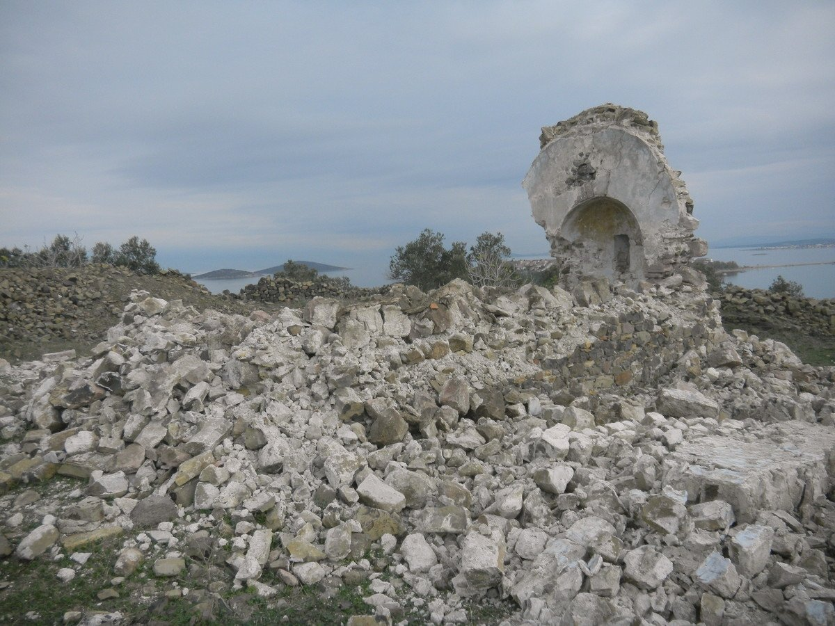 The remains of the chapel in the Ayvalık district of Balıkesir province, western Turkey, Jan. 3, 2021. (DHA Photo)