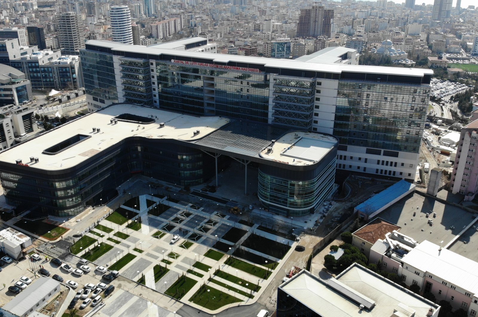 Dr. Lütfi Kırdar City Hospital in the Kartal district which was opened on July 4, 2020, in Istanbul, Turkey, Jan. 5, 2021. (AA PHOTO)