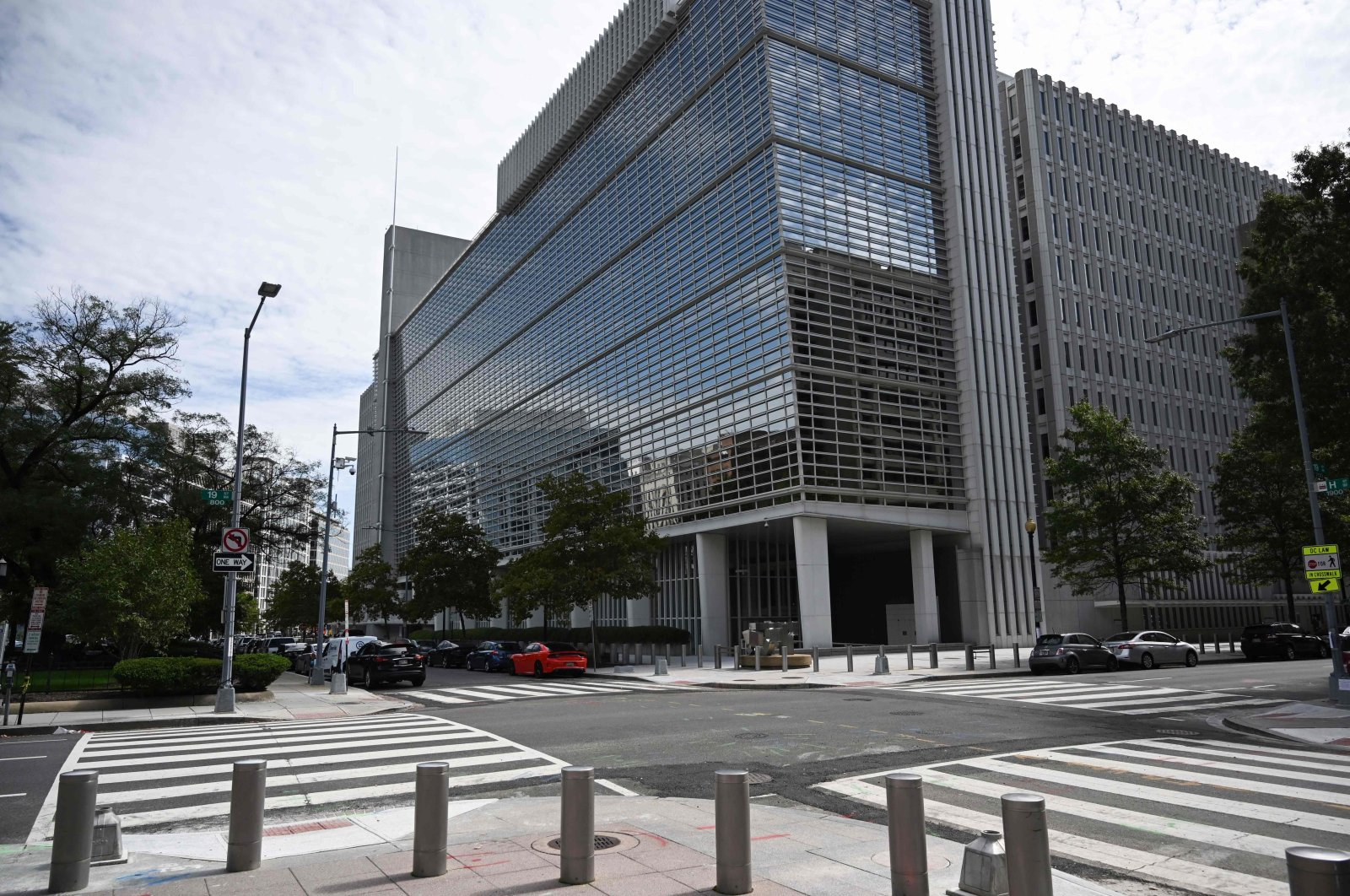 The World Bank headquarters is viewed in Washington, D.C., Oct. 1, 2020. (AFP Photo)
