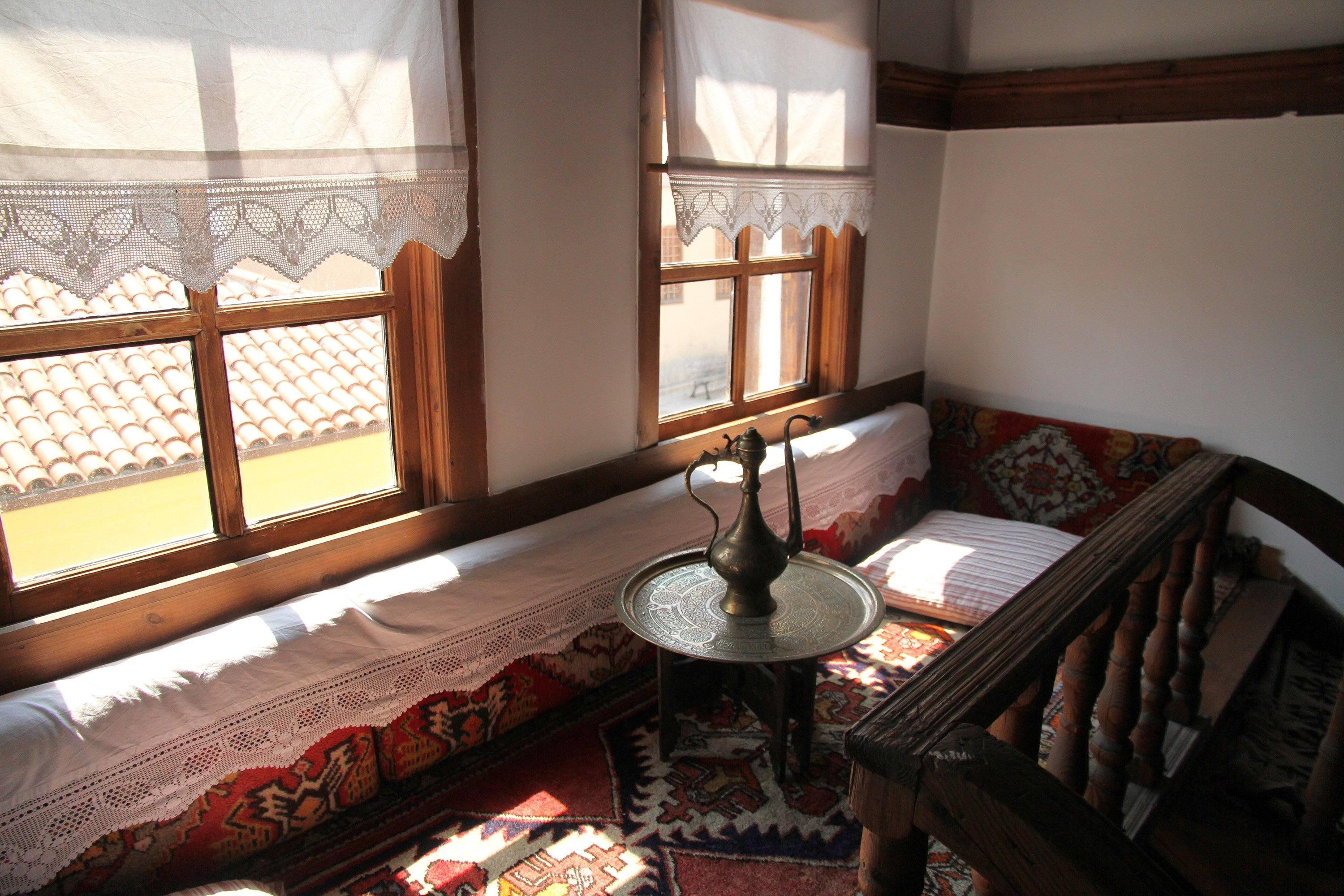 In traditional Safranbolu houses, you'll see sofas covered by Turkish lace, though it is not commonplace anymore.
