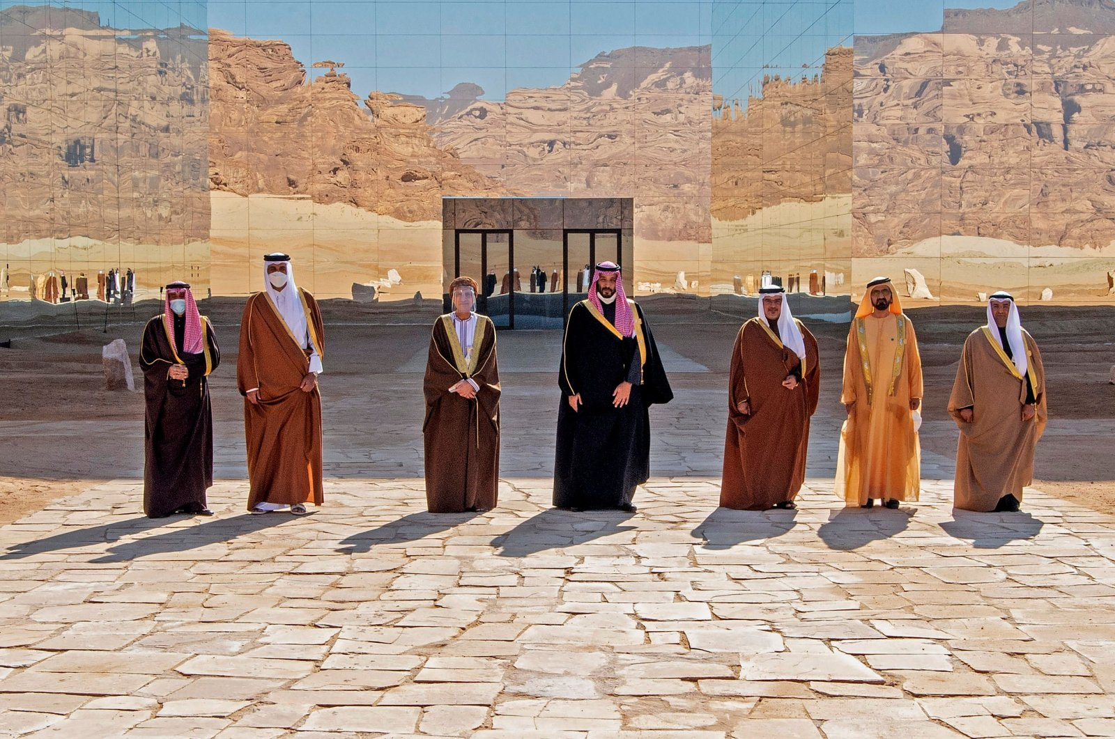 Gulf leaders pose for a picture before the opening session of the 41st Gulf Cooperation Council (GCC) summit that ended the rift between Qatar and the Saudi-led bloc, Al-Ula, Saudi Arabia, Jan. 5, 2021. (AFP Photo)