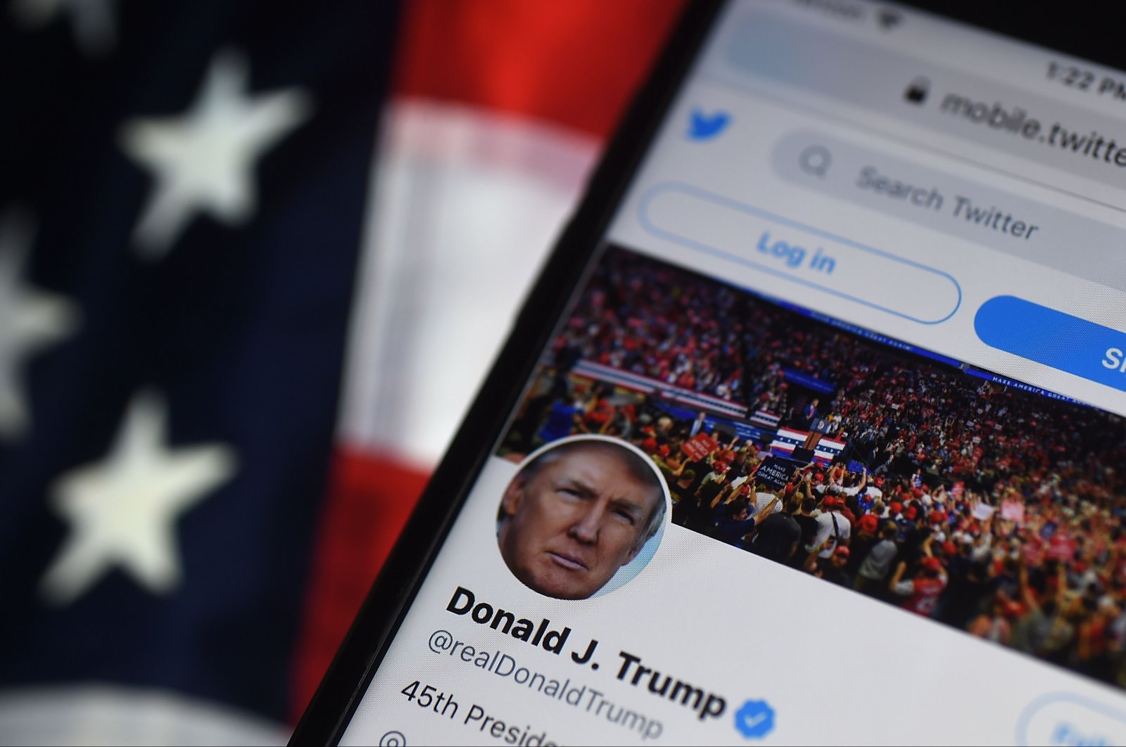 In this photo illustration, the Twitter account of U.S. President Donald Trump is displayed on a mobile phone in Arlington, Virginia, Aug. 10, 2020. (AFP Photo)