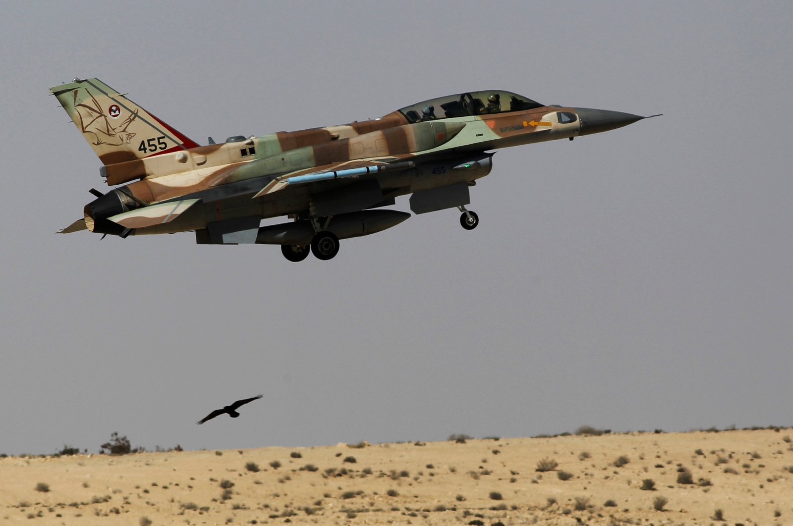 An Israeli F-16 fighter jet takes off from Ramon air base in southern Israel during routine training, Oct. 21, 2013. (Reuters Photo)