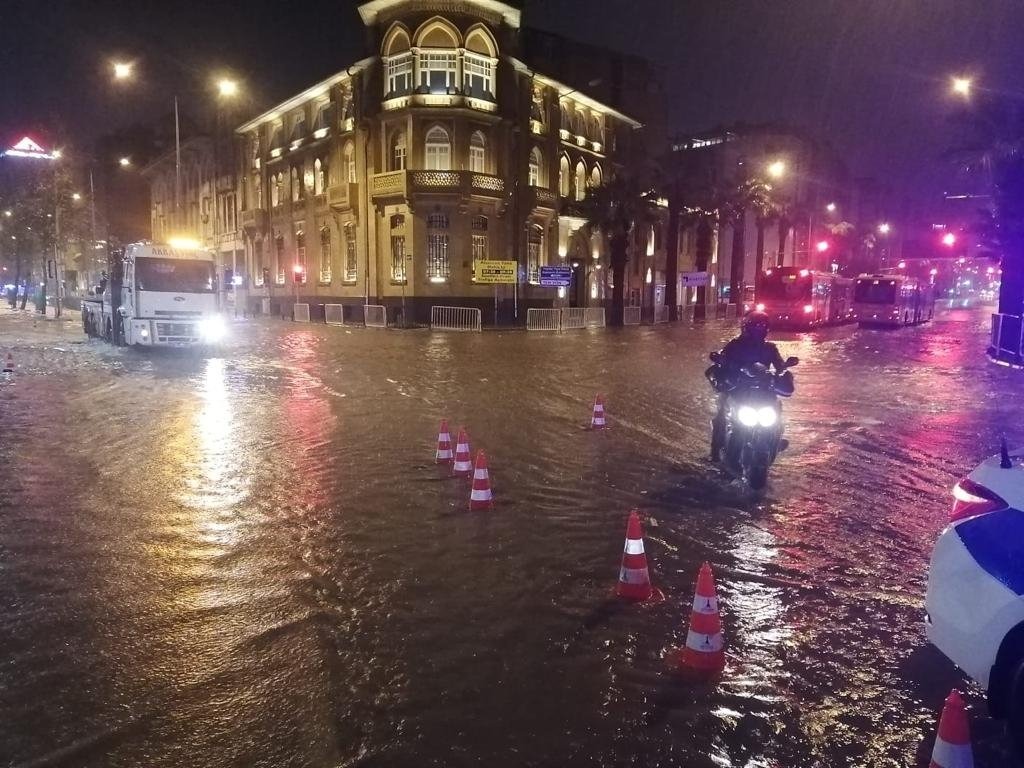 An inundated square in the Konak district of western Izmir province is seen after heavy rainfall, Jan. 12, 2021. (DHA Photo)