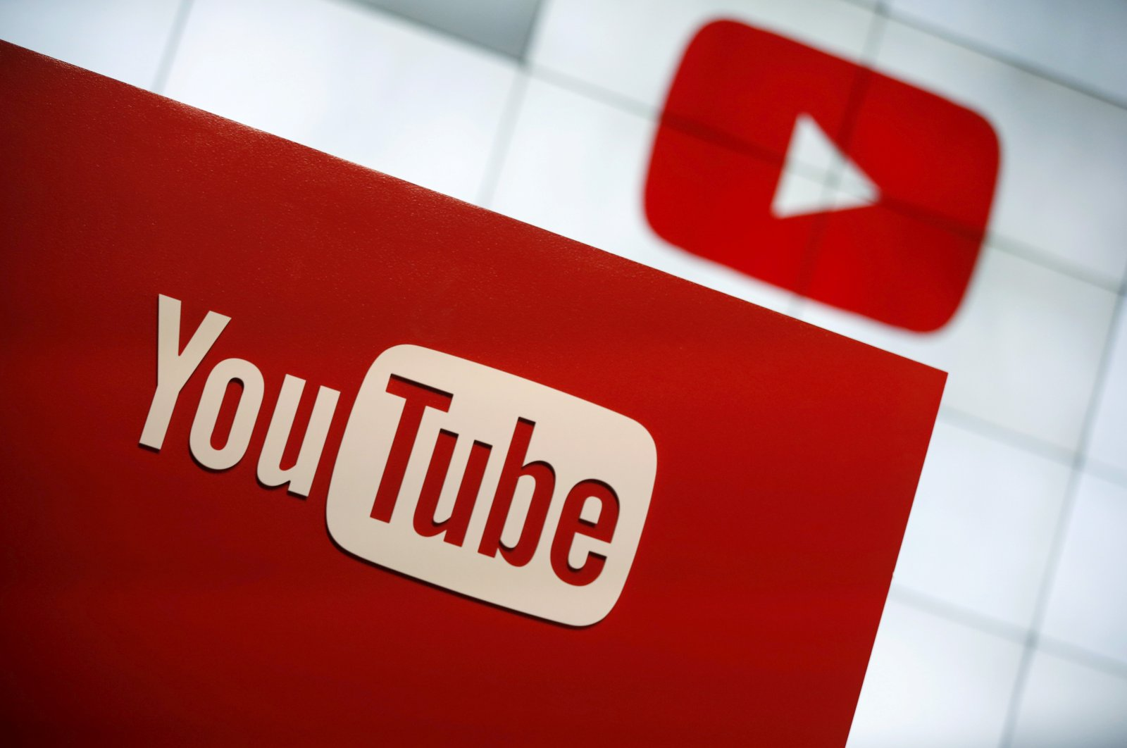 YouTube logo seen at the YouTube Space LA in Playa Del Rey, in Los Angeles, Oct. 21, 2015. (Reuters Photo)