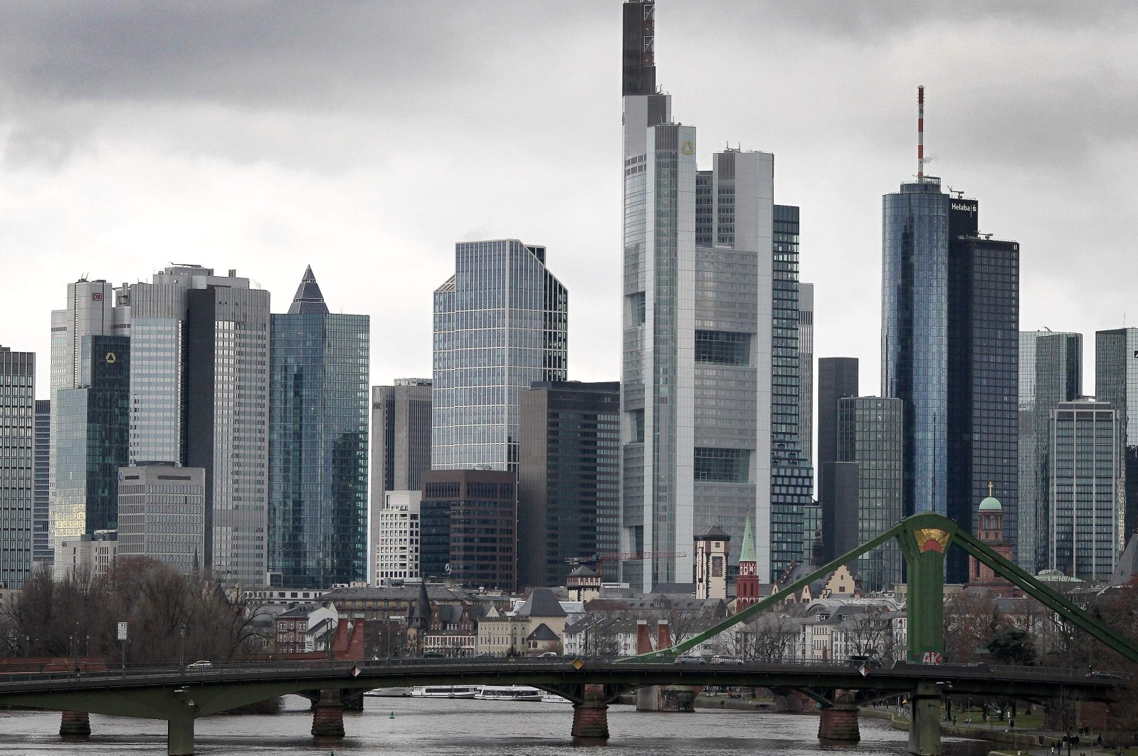 The skyline of Frankfurt am Main, western Germany, with the Main Tower with Helaba's head office (R) and the Commerzbank Tower (second from right)  on Dec. 29, 2020. (AFP Photo)