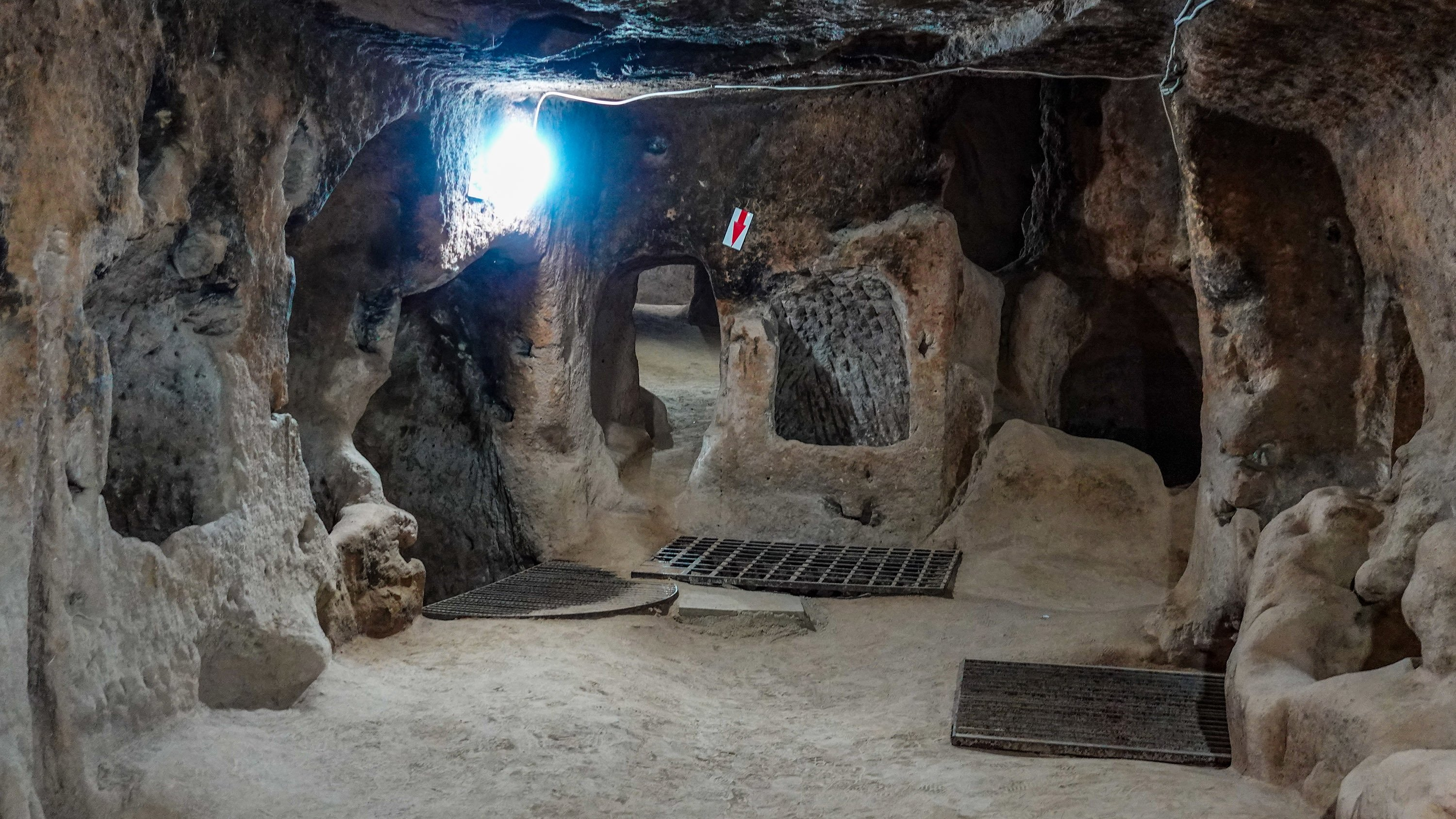 A chamber in Saratlı Kırkgöz Underground City. (Photo by Argun Konuk)