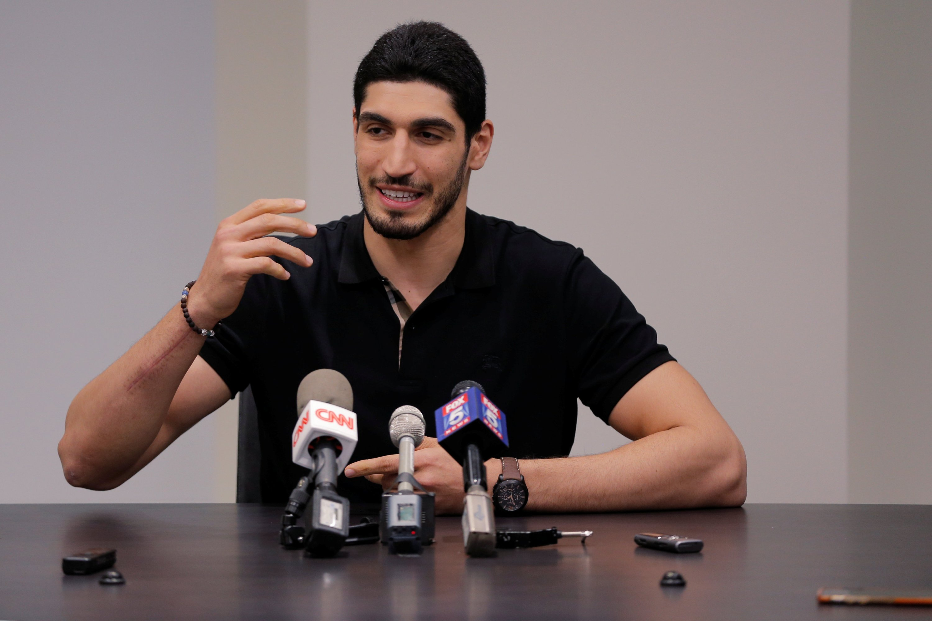 Turkish NBA player Enes Kanter speaks about the revocation of his Turkish passport and his return to the United States at the National Basketball Players Association headquarters in New York, U.S., May 22, 2017. (Reuters Photo)