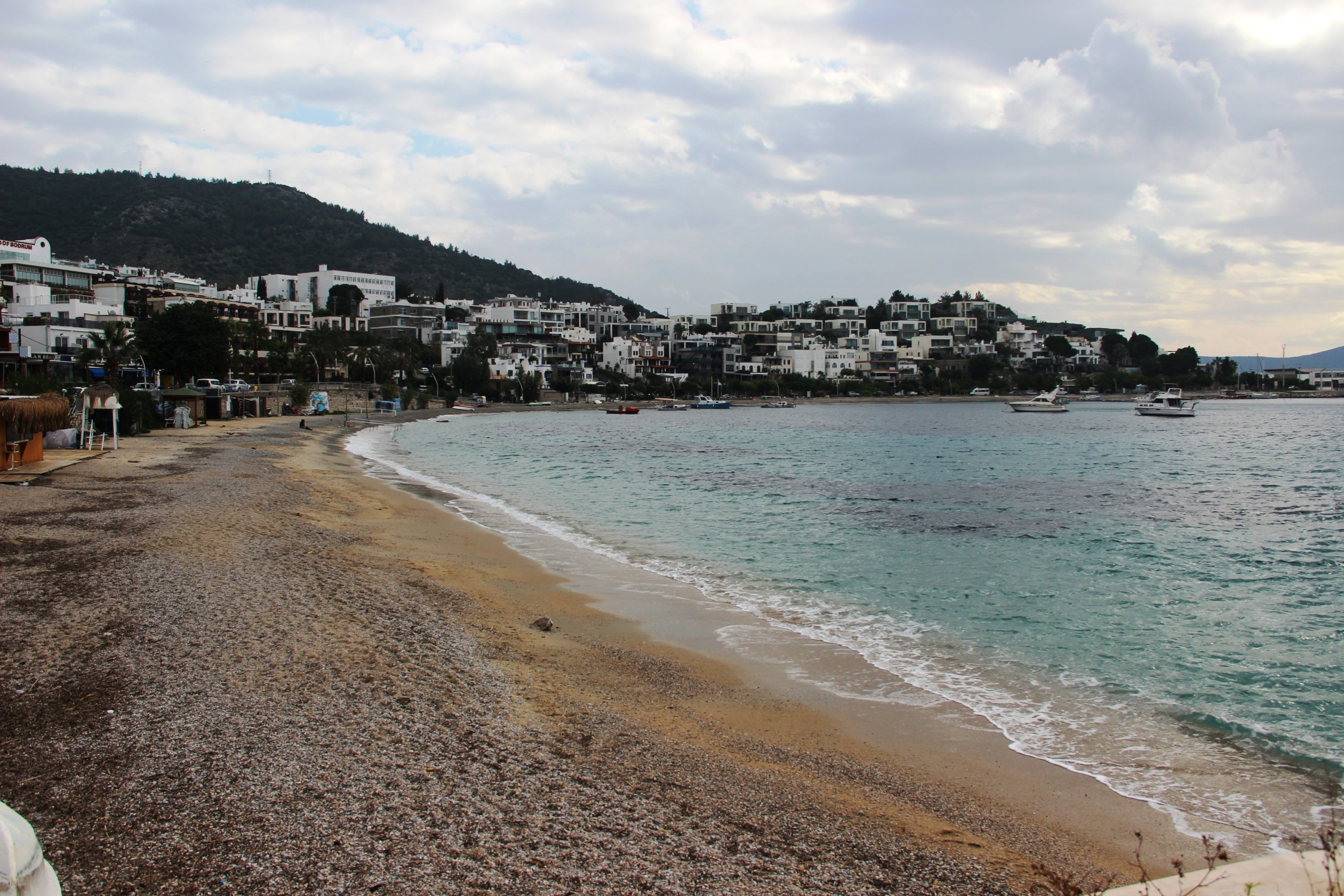 With the beaches devoid of crowds, many people can now go on long walks freely in Bodrum, Muğla, southwestern Turkey, Jan. 9, 2021. (IHA Photo)
