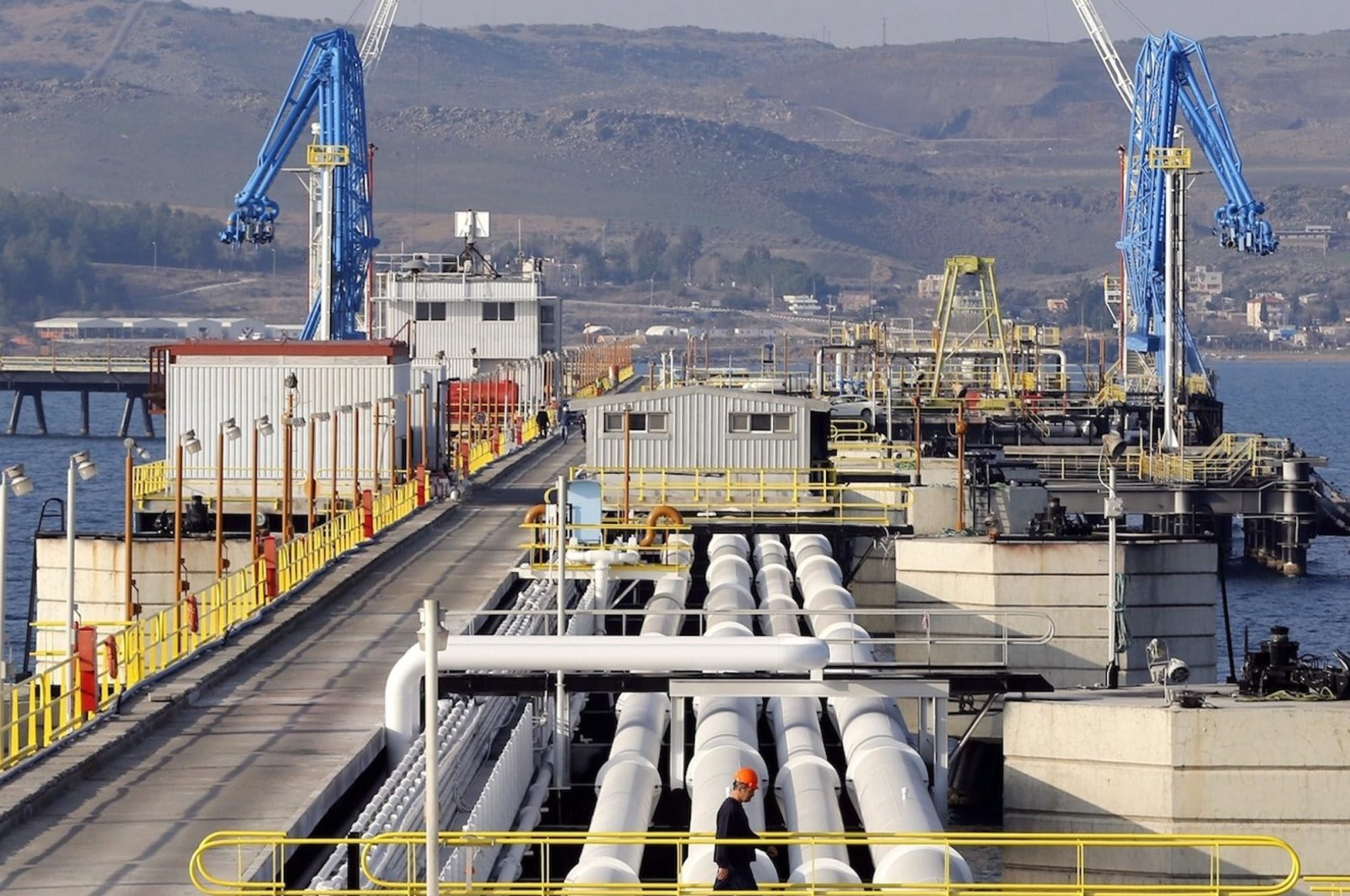 A general view at Turkey's Mediterranean port of Ceyhan, which is run by state-owned Petroleum Pipeline Corporation (BOTAŞ), some 70 kilometers (43.5 miles) from Adana, Feb. 19, 2014. (Reuters Photo)