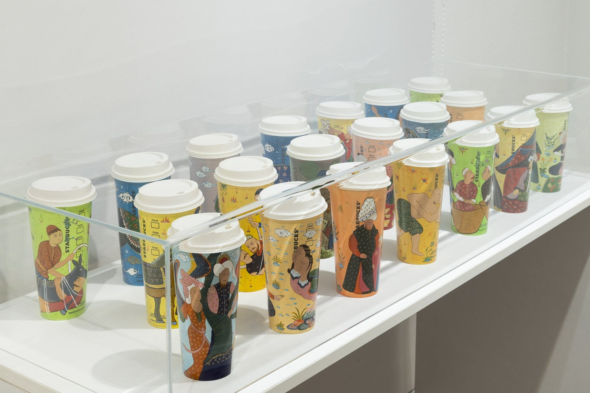 Some miniatures on Starbucks cups by Onur Hastürk, from the