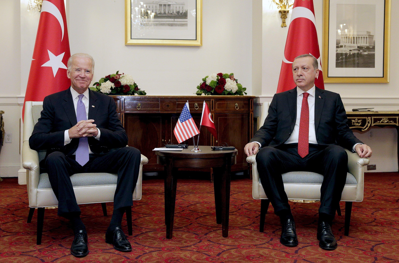 Ardından ABD Başkan Yardımcısı Joe Biden (solda) Cumhurbaşkanı Recep Tayyip Erdoğan ile ikili görüşmeye katıldı, Washington, DC, ABD, 31 Mart 2016 (Reuters Fotoğrafı)