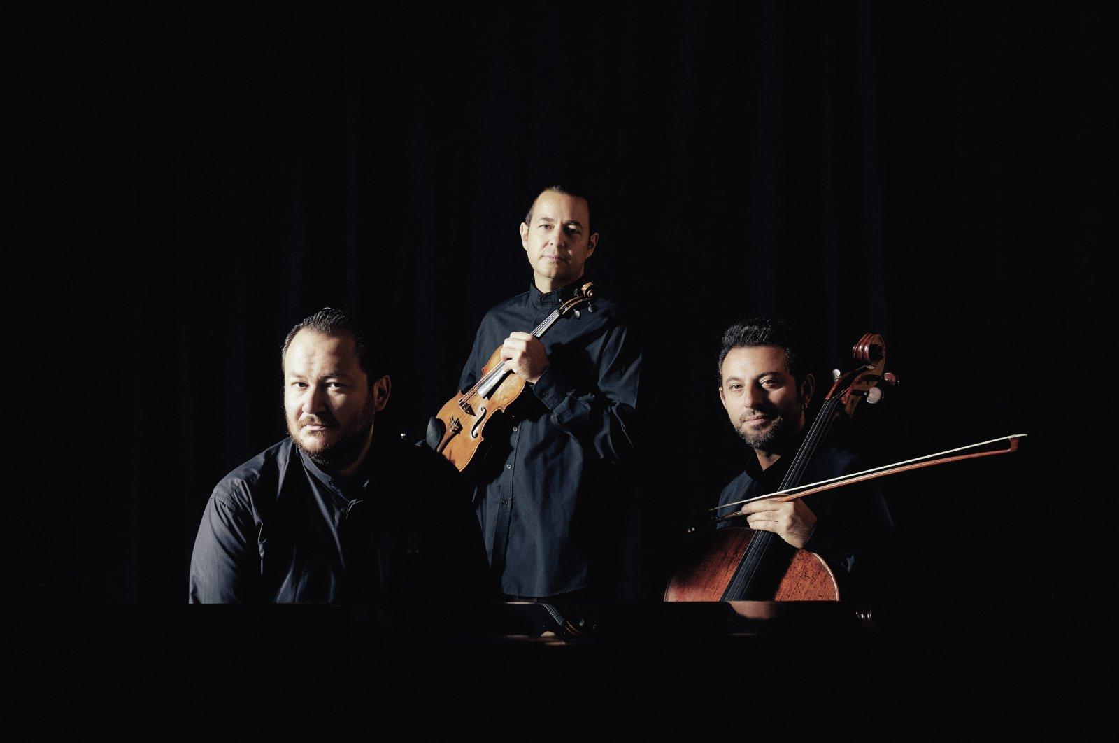 Trio Hexis' online performance will meet listeners on Jan. 28.
