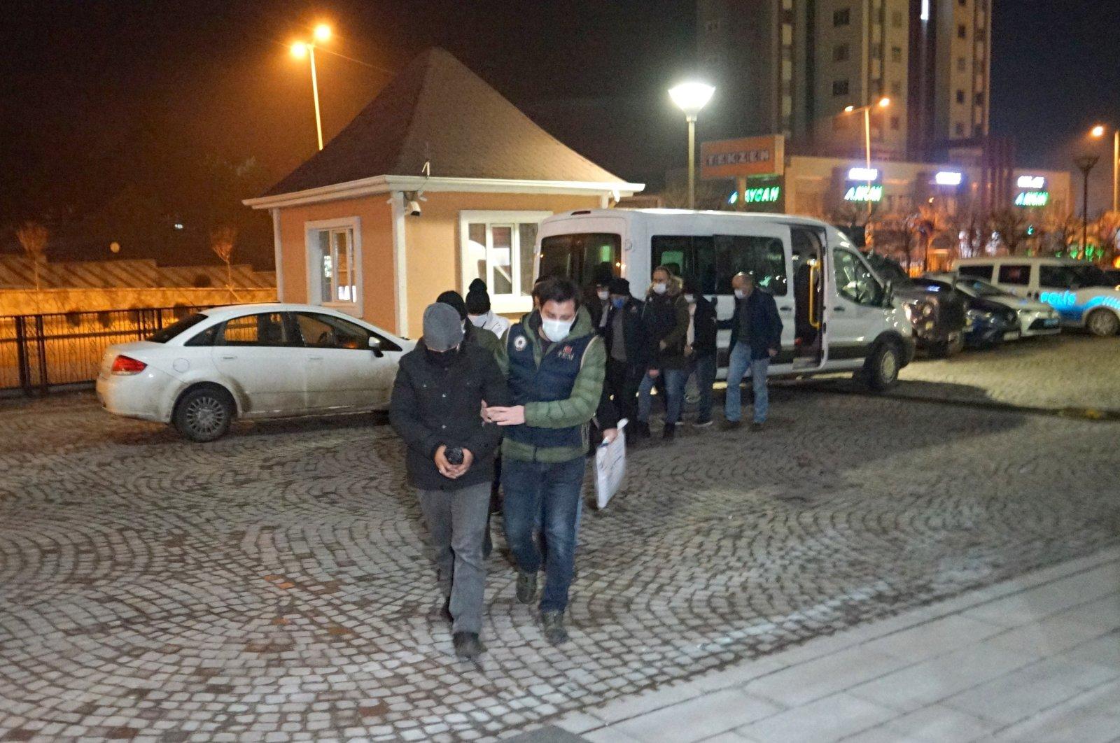 Police escort Daesh suspects arrested in northern Turkey's Kastamonu province, Jan. 24, 2021. (İHA Photo)