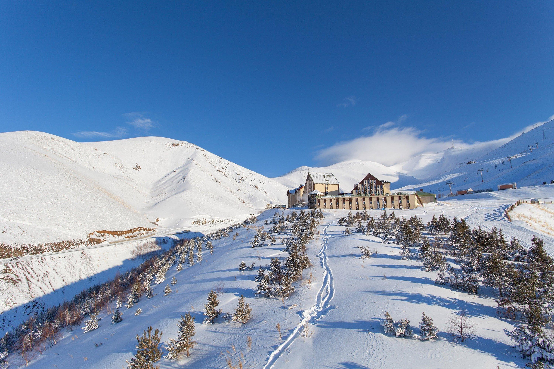 Snow bunnies and ski enthusiasts in the east of Turkey frequent Erzurum's Palandöken. (IHA Photo)