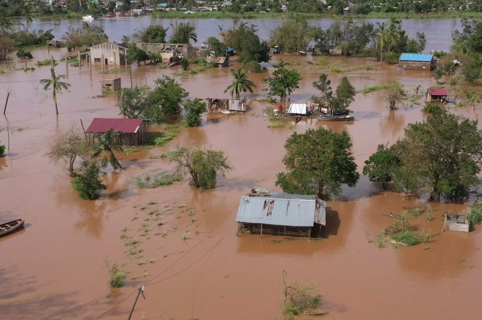 Widespread flooding in the Buzi district of Mozambique after the landfall of Cyclone Eloise, Jan. 24, 2020. (AFP Photo)