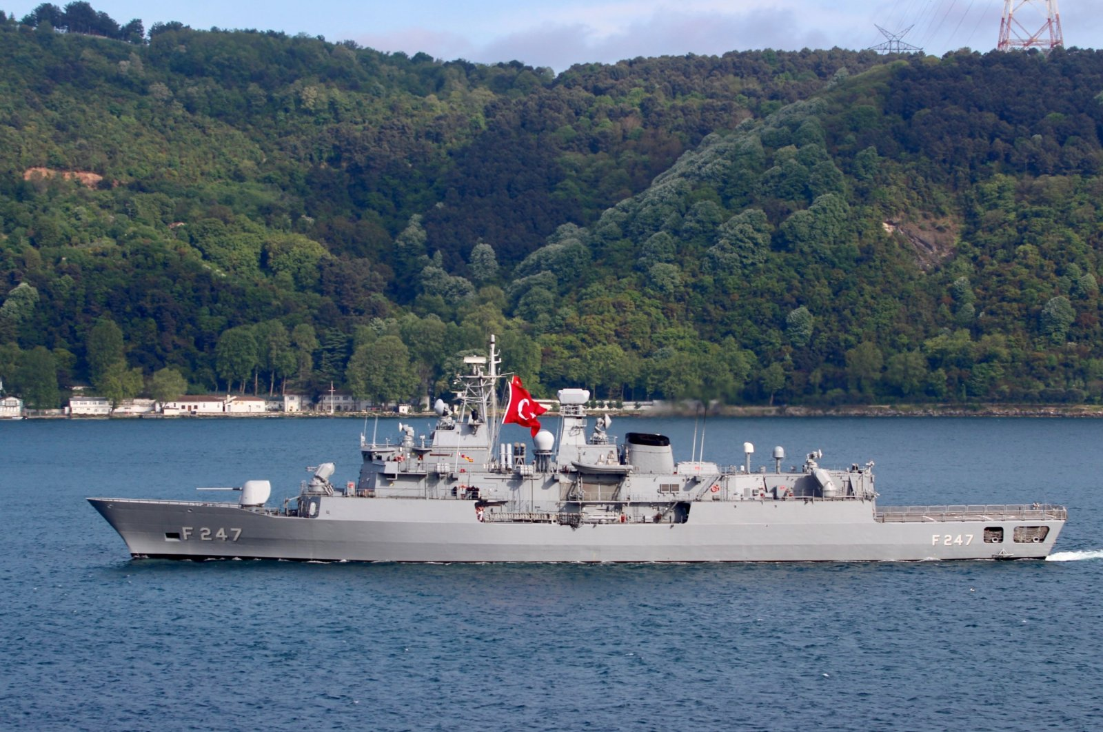 Turkish Navy frigate TCG Kemal Reis (F-247) is pictured in the Bosporus strait in Istanbul, Turkey May 13, 2019. (Reuters File Photo)
