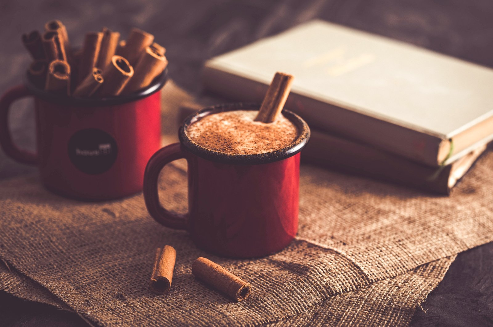 Salep, a milky traditional hot drink topped with cinnamon, is one of the many winter traditions of the Turks. (Shutterstock Photo)
