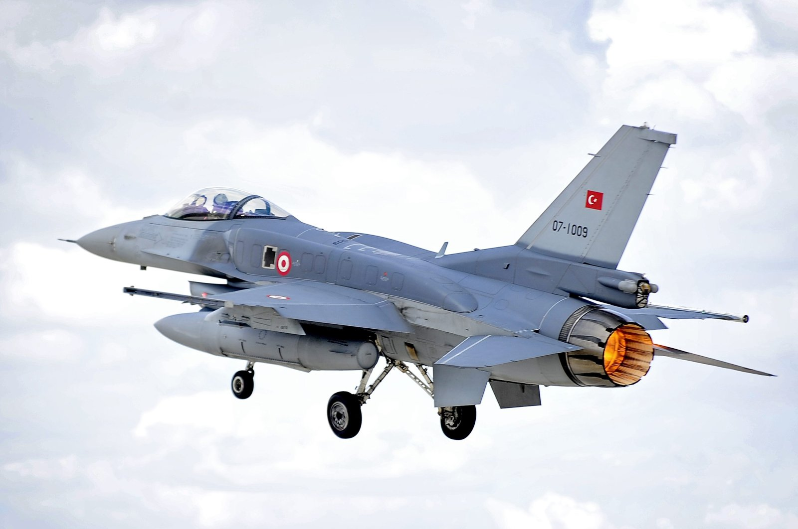 An F-16 Fighting Falcon of the Turkish Air Force takes off on a sortie from an air base during Exercise Anatolian Eagle, in Konya, Turkey. (Courtesy of Turkish Ministry of Defense)