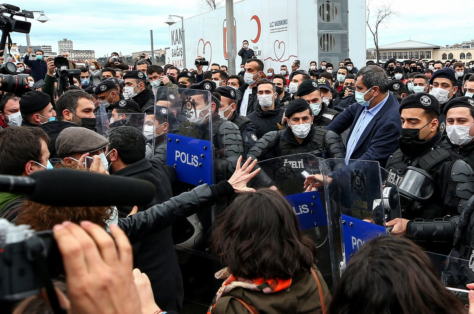 Police confront the rioting crowd protesting the arrests in earlier protests against the new Boğaziçi University rector, in Kadıköy district, in Istanbul, Turkey, Feb. 2, 2021. (AA Photo)