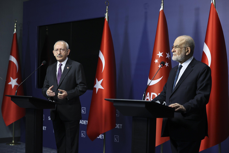 CHP Chairman Kemal Kılıçdaroğlu and head of the SP Temel Karamollaoğlu conduct a joint press conference following a meeting in Ankara, Turkey, Feb.4, 2021. (AA)