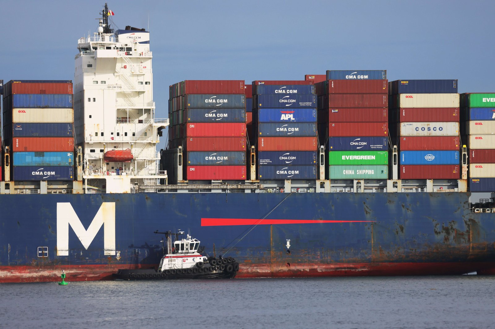 A container ship enters the Port of Los Angeles, in San Pedro, California, U.S., Feb. 1, 2021. (AFP Photo)