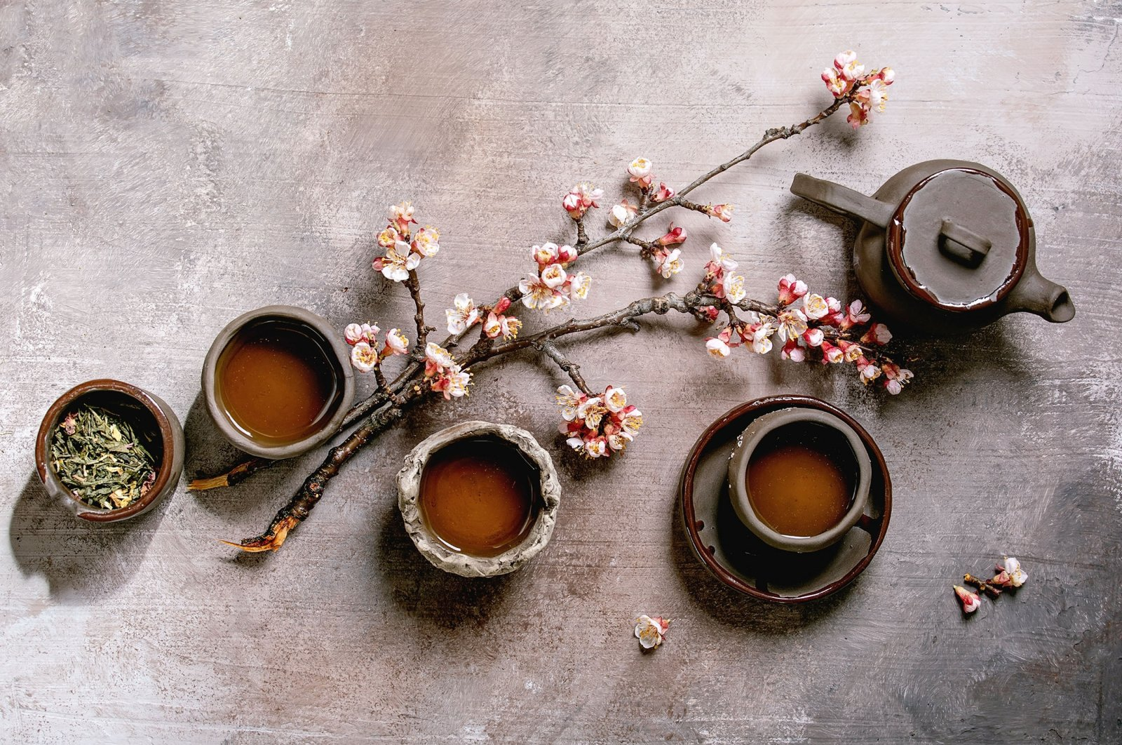 The Japanese have many principles that revolve around decluttering, ridding life of stress and embracing simplicity. (Shutterstock Photo)