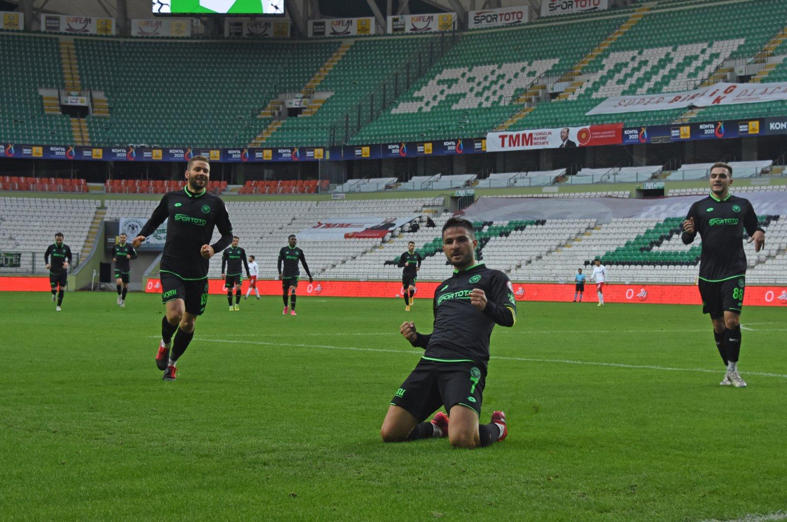Konyaspor's Ömer Ali Şahiner (C) celebrates scoring a goal against Gaziantep in the Ziraat Turkish Cup Round of 16 match, in Konya, Turkey, Jan. 13, 2021. (DHA Photo)