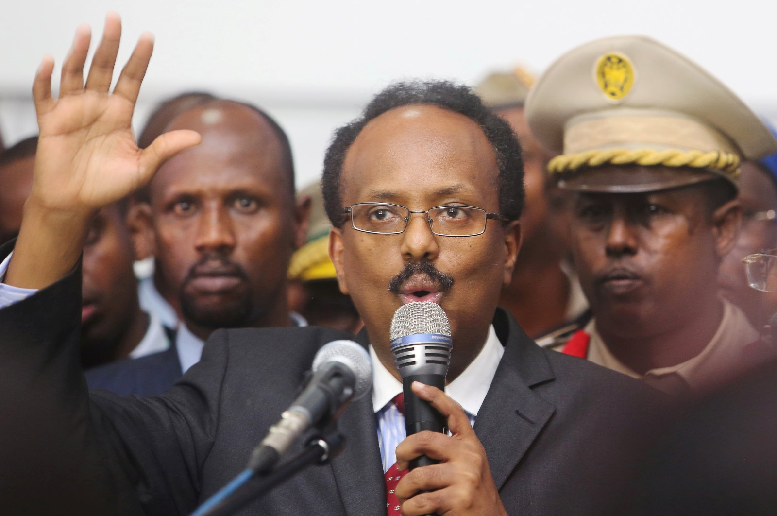 Somalia's President Mohamed Abdullahi Mohamed addresses lawmakers after winning the vote, at the airport in the capital Mogadishu, Somalia, Feb. 8, 2017. (Reuters Photo)