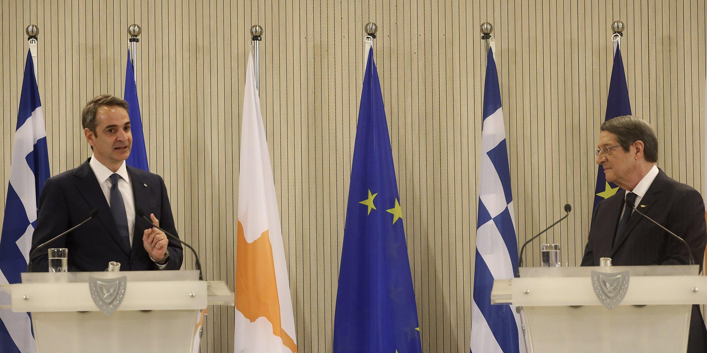 Η ελληνική πλευρά πιέζει για ομοσπονδιακή λύση στο Κυπριακό
